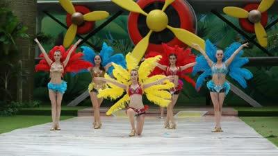 桑巴舞团热情开场 奥运雄风席卷亚洲一号