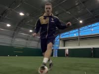 足球特技究竟有多叼?完美杜德联手英超球星教你做爸爸
