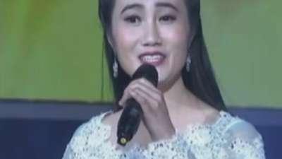 黄花丽师生迎新春