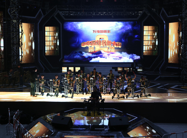 罗兰学员绽放鸟巢中华民族歌舞大赛颁奖典礼