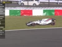 斯托尔过弯失误冲出赛道 悬挂损坏险酿大事故