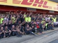 F1西班牙站维斯塔潘庆祝首冠:18岁228天破最年轻分冠纪录
