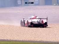 勒芒24小时耐力赛:丰田6号失控甩尾