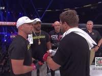Bellator157第一场 美国大傻VS卡尔