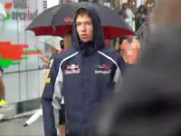 F1匈牙利站排位赛前:蛋泥总裁湿身诱惑帅炸啦