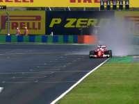 危机四伏 F1匈牙利站排位赛Q2:赛道仍有积水