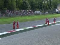 F1意大利站排位赛:坚持一人扫赛道的勤劳马修!