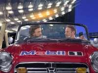F1迈凯伦双傻迪拜篇:巴顿花式调戏阿隆索