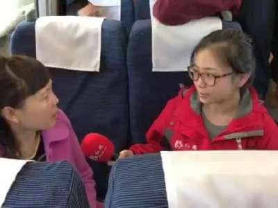 红网时刻新闻记者采访全国人大代表沈绿叶