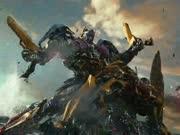 《变形金刚5》新预告悲壮来袭 擎天柱惨遭BOSS洗脑手撕大黄蜂