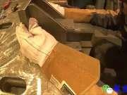 男子又切又焊,做出的成品绝对是很实用的工具