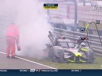 勒芒24小时耐力赛:4号赛车开着开着就着火了