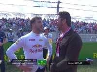 F1美国站正赛:杰拉德巴特勒和里卡多谈笑风生