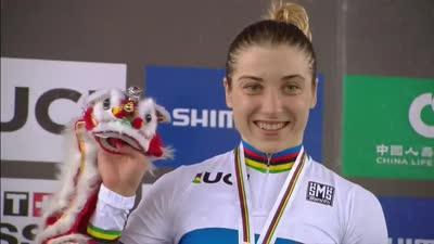 女子500米个人计时赛 施梅列娃获金牌荣登领奖台