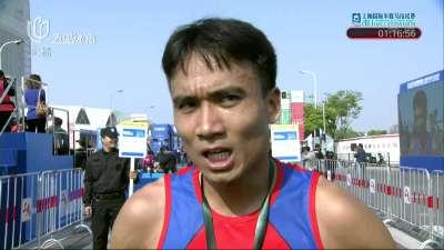 大众跑友冠军:经常参加半马 跑在赛道上非常兴奋