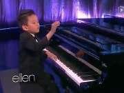 5岁加拿大华裔钢琴神童激情演奏轰动全美