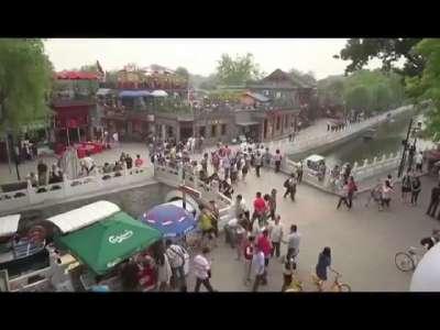 [视频]逆天啦,西班牙美女带个手机就能逛遍北京城