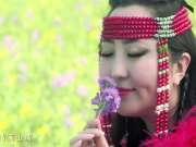 格格一首《羞答答的玫瑰唱情歌》,唱出草原上的浪漫情调