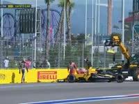 帕默尔出弯顶飞格罗斯让 双双退赛触发安全车