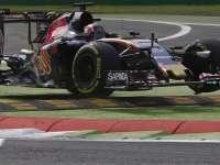 F1意大利站FP2 科维亚特一号弯冲出赛道轧上路肩
