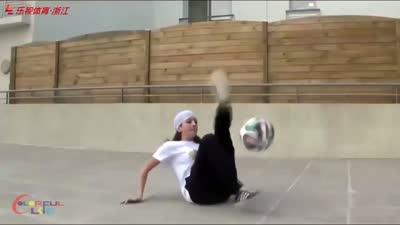 这么玩足球,请收下我的膝盖!