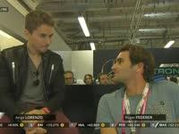F1阿布扎比站正赛:洛伦佐与费德勒奔驰车房嗨聊
