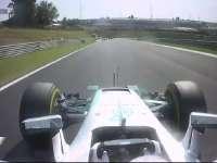 F1匈牙利站正赛:汉密尔顿锁死 队友穷追不舍