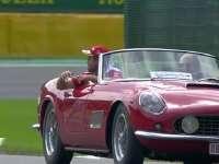 真拼!F1比利时站车手巡游:马修追着维特尔要签名