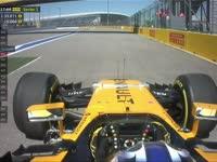 雷诺试车手斯洛特金赛车故障 引发第一段短暂黄旗