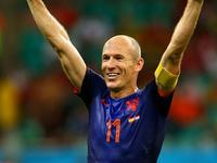 罗本戏耍对手两大后卫破门 荷兰2-1反超比分