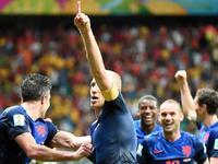 罗本戏耍卡西梅开二度 荷兰5球打懵卫冕冠军