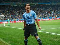 全场回放-乌拉圭2-1英格兰 苏神梅开二度鲁尼首球难救主