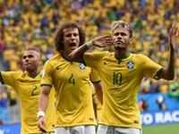 巴西4-1喀麦隆 内马尔2球弗雷德破门