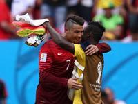 门将送礼助攻C罗破门 葡萄牙2-1反超比分