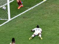 博耶送超高难度乌龙 葡萄牙1-0暂时领先