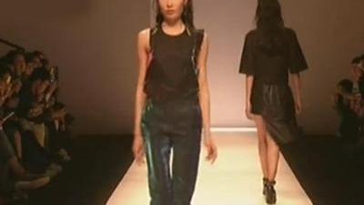 上海时装周秋冬发布会 时尚设计师万一方