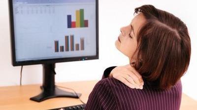 小动作治疗颈椎病 专家教你妙手护颈椎