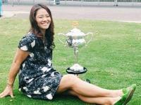 资讯-李娜出席澳网活动 小腹隆起孕味十足