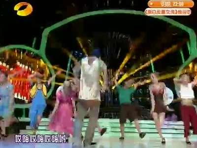 朱梓骁版赵本山《红高粱模特队》