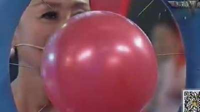 选手自爆曾放弃选美比赛  帅哥现场大跳韩国舞