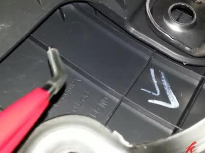 科鲁兹驾驶位侧面挡板拆卸与复位
